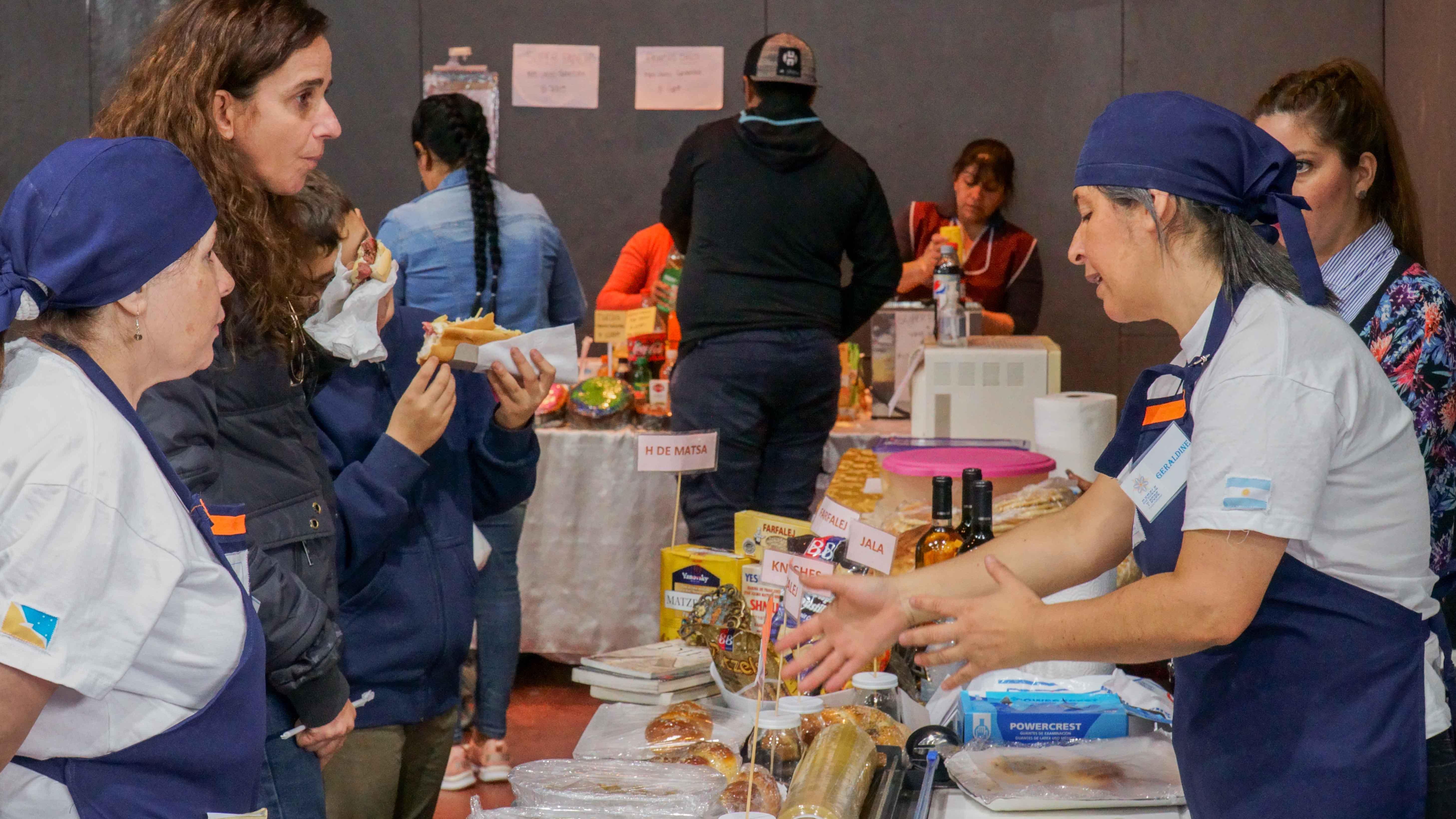 """Feria Popular en Polideportivo """"Cochocho Vargas"""" - marzo 2019"""